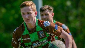 Aspull edge out Mets in the sun