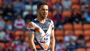 Super League clubs eye Holmes after Featherstone release