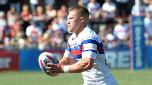 Hampshire signs new deal at Wakefield