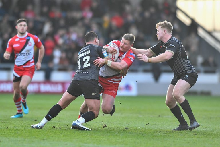 Yates extends Salford deal